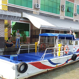 Boat to Kukup Resort